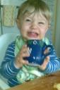 Joel dricker ljummen mjölk