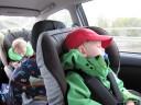 Sover i bilen