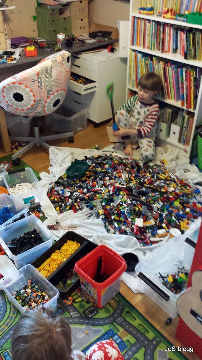 Jos blog blog archive sortera lego - Caisse de rangement lego ...